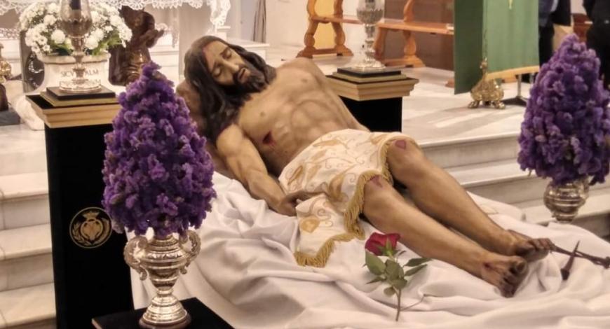 Suspendido el besapie al Cristo Yacente